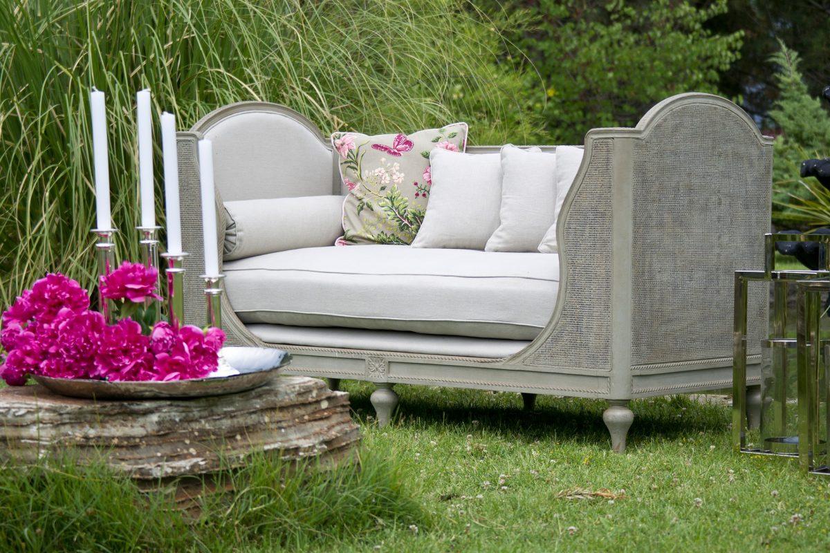 armchair-2591679_1920